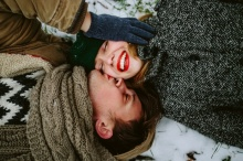"""8 วิธี รัก อย่างไร ไม่ให้ตัวเองเป็น """"ของตาย"""""""