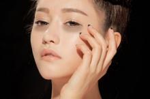 5 วิธีนวดลดถุงใต้ตา บอกลาขอบตาแพนด้าดำคล้ำ