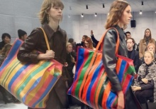 ดีงาม!กระเป๋าแบรนด์ดัง แรงบันดาลใจถุงจากสำเพ็งบ้านเรา!?